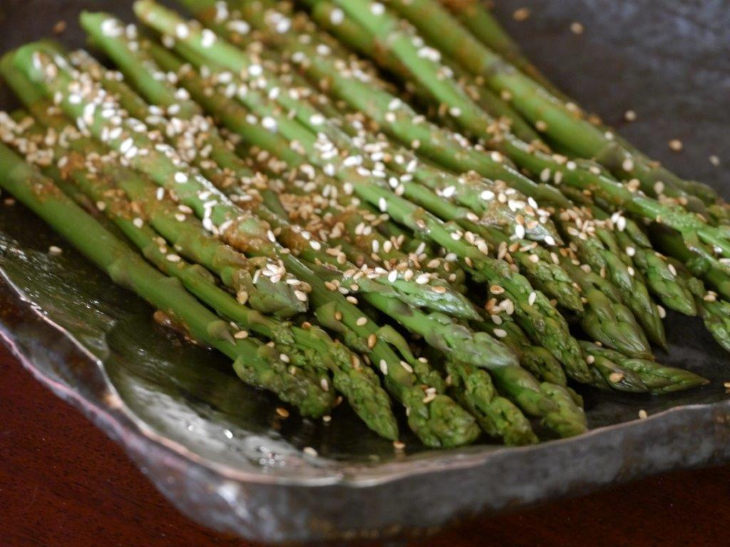 REcipe - Asparagus and sesame seeds